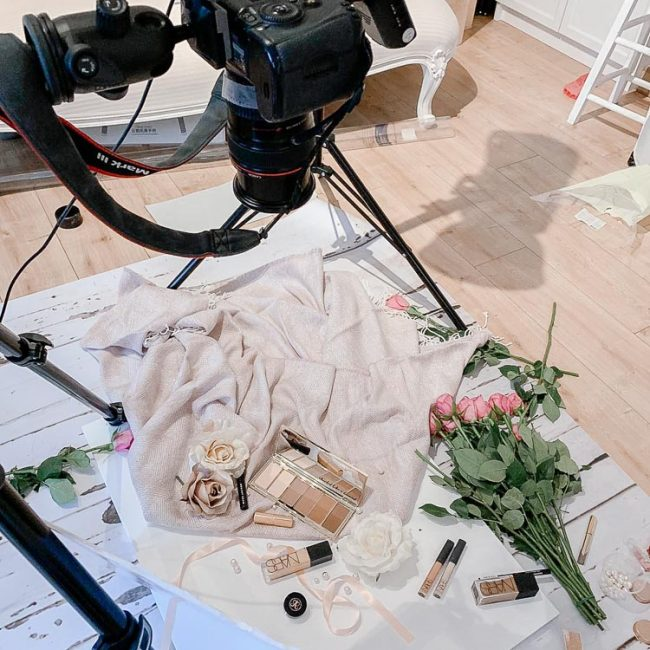 product-flatlay-behind-the-scenes-photoshoot
