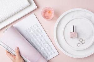 nail-polish-lifestyle-product-photographer