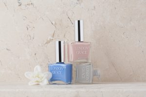 nail-polish-lifestyle-product-photographer